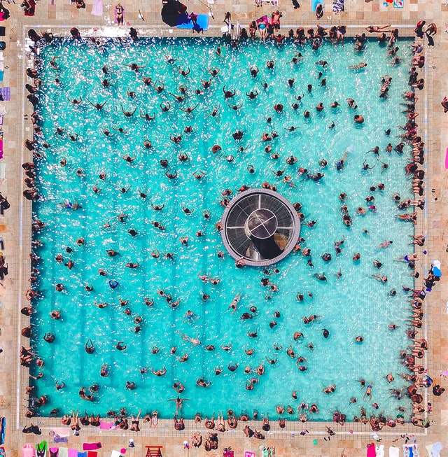 pool crowd